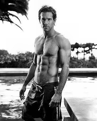 Ryan Reynolds Ugly on Alive   It   S Ryan Reynolds     The Superficial   Because You Re Ugly