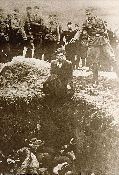 1.bp.blogspot.com/_Vs1pIux48ec/S7nmZVnACYI/AAAAAAAABaE/VgQ2--AA1d0/s1600/nazi+shooting+jews.jpg