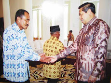 H. Alimuddin terima penghargaan Presiden SBY