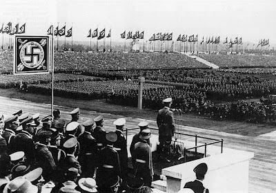 Die ersten Reichsparteitage der NSDAP fanden 1923 (27. bis 29. Januar) in München und 1926 (3. bis 4. Juli) in Weimar statt. 1928 wurde der Reichsparteitag aus Mangel an finanziellen Mitteln abgesagt. Zwei weitere wurden 1927 (19. bis 21. August) und 1929 (1. bis 4. August) in Nürnberg abgehalten. Nachdem es beim 4. Reichsparteitag 1929 zu schweren Zusammenstößen zwischen Nationalsozialisten und Kommunisten gekommen war, verhinderte die Nürnberger Stadtverwaltung das Zustandekommen der Reichsparteitage in den Jahren 1930 und 1931. Im Jahr 1932 verzichtete die NSDAP erneut aus Mangel an finanziellen Mitteln auf einen Reichsparteitag. Nürnberg wurde zunächst aus pragmatischen Gründen als Veranstaltungsort gewählt. Nürnberg lag relativ zentral im Deutschen Reich und besaß mit dem Luitpoldhain eine für Großveranstaltungen geeignete Versammlungsstätte. Auch konnte die NSDAP bei der Organisation auf die in Franken gut organisierte Partei unter Gauleiter Julius Streicher zurückgreifen. Die Nürnberger Polizei stand der Veranstaltung wohlwollend gegenüber. Später wurde der Veranstaltungsort gerechtfertigt, indem die Reichsparteitage in die Tradition der Nürnberger Reichstage des mittelalterlich-kaiserlichen Heiligen Römischen Reichs Deutscher Nation gestellt wurden.  Nach 1933 wurden sie als Reichsparteitage des Deutschen Volkes jeweils in der ersten Septemberhälfte in Nürnberg durchgeführt und dauerten in der Regel acht Tage. Nach der NSDAP-Ideologie sollte dabei die Verbundenheit von Führung und Volk bekundet werden. Das wurde zum Ausdruck gebracht durch eine jährlich wachsende Zahl von zuletzt mehr als einer halben Million Teilnehmern und Besuchern aus allen Gliederungen der Partei, der Wehrmacht und des Staates.  Organisiert wurden die Parteitage der NSDAP vom Zweckverband Reichsparteitag unter dem Nürnberger Oberbürgermeister Willy Liebel.  Ab 1933 wurde jeder Parteitag unter einen programmatischen Titel gestellt, der sich auf bestimmte Ereignisse bezog:      30. August