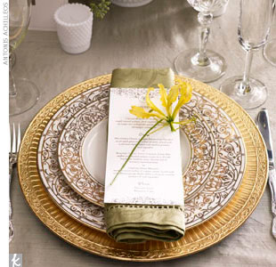 simply pretty wedding: A beautiful place setting
