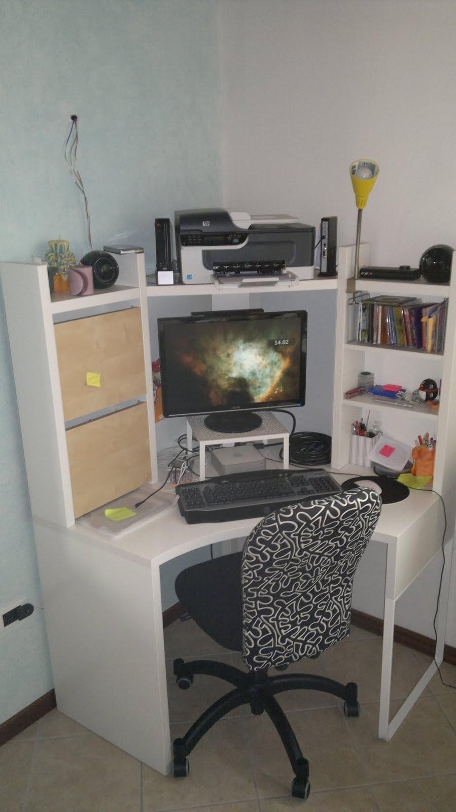 Ikea scrivania angolare tutti i prodotti arredamento e mobili per arredo ufficio visita lo with - Ikea malm scrivania ...