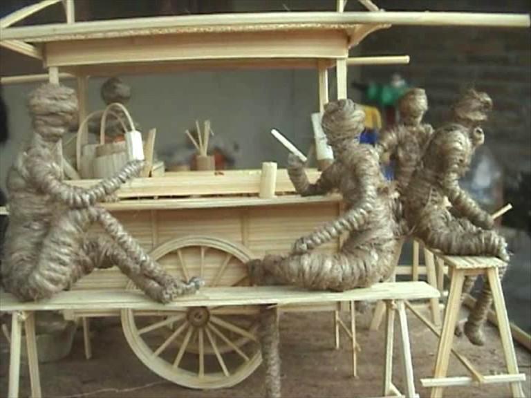 Kerajinan Miniatur Bambu, Kreasi dari Limbah Bangunan