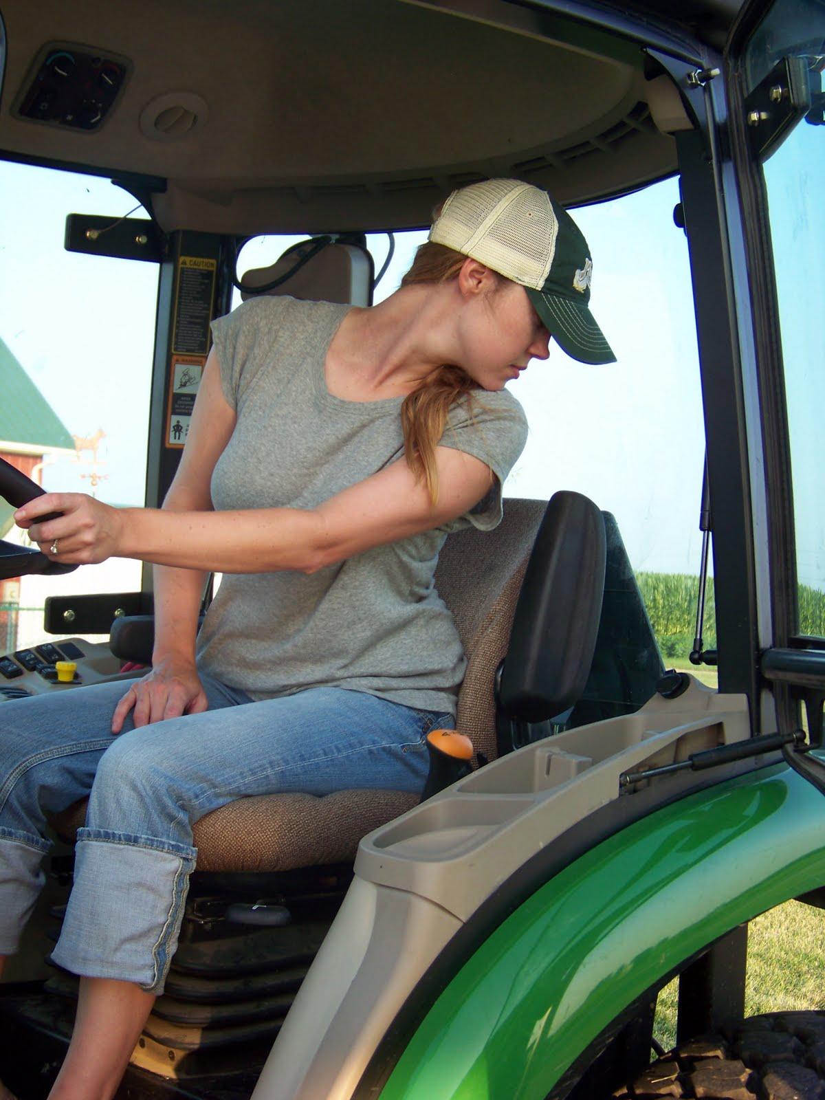 http://1.bp.blogspot.com/_Vx2FmMKE9w4/TECRJJJCpFI/AAAAAAAAAPo/4TF81gjDnIk/s1600/Tractors+101+Workshop+041.JPG