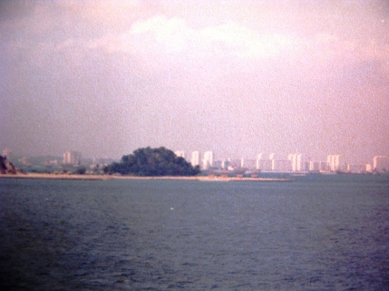 ... Singapura...