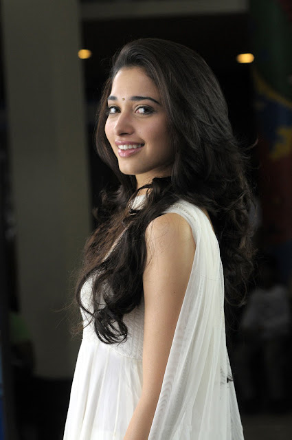 Tamanna-in-white-dress4