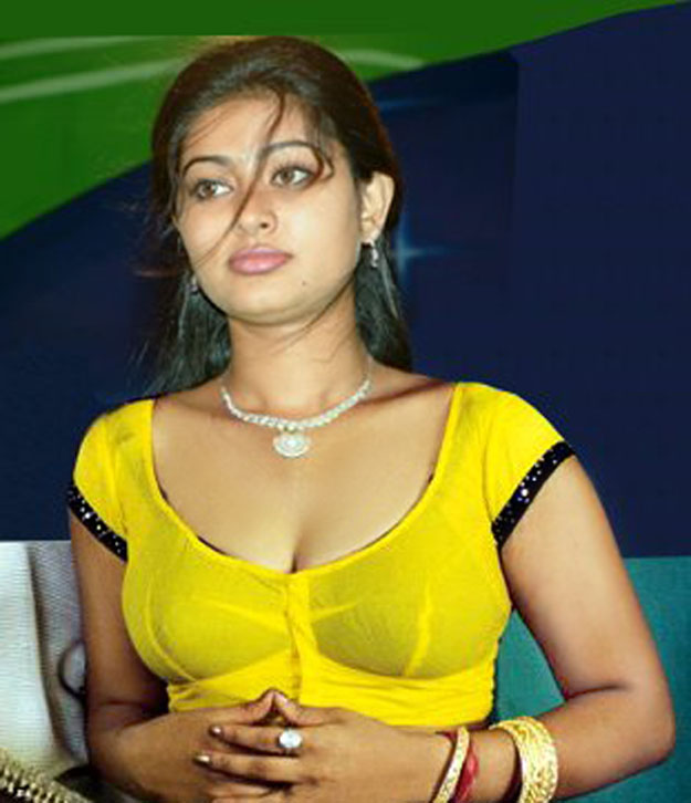 Tollywood Stars Wallpapers: Sneha hot Pics, Hot sneha Saree pics