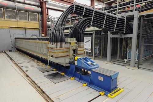 Marinha dos Estados Unidos testa novo canhão eletromagnético