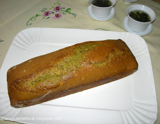 Cake al tè verde giapponese e mandorle