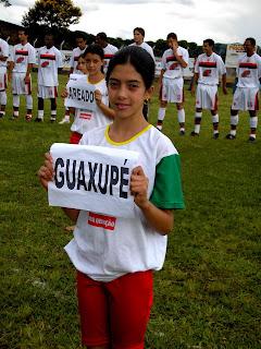 Ana Paula, carregou a placa de GUAXUPÉ