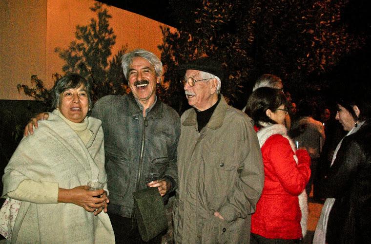LOS TEMUQUENSES/TEXCOCANOS CONSUELO MUÑOZ, Y GUILLERMO RAVEST CON SALVADOR DÍAZ]