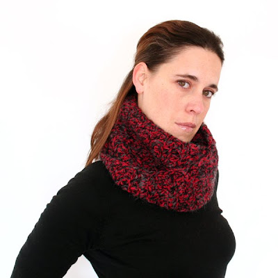 envelope cowl in red and black - available