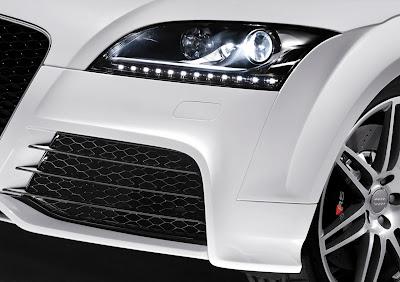 Audi TT RS front view