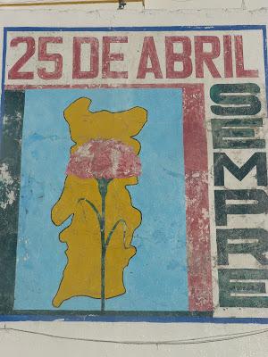 Pintura Mural comemorativa do 25 de Abril, em Avis - Janeiro 2008