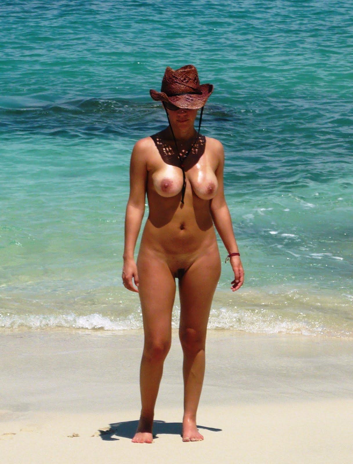 galeria de chicas en playas nudistas: