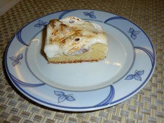 Articole culinare : Prajitura cu Vanilie (fructe obtional)