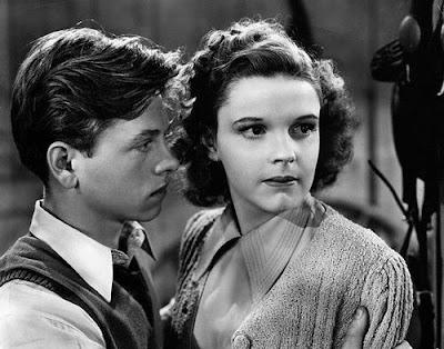 Judy Garland y Mickey Rooney en Los hijos de la farándula (1939)