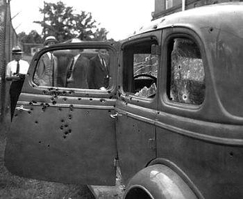 Así quedó el coche de Bonnie & Clyde