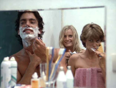 Peter Gallagher, Daryl Hannah y Valerie Quennessen en Summer Lovers (1982)