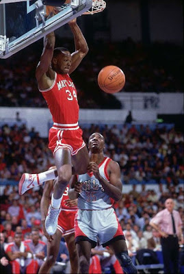 Len Bias jugando con la Universidad de Maryland
