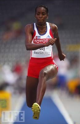 Mabel Gay, plata en triple salto