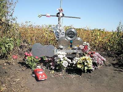 Monumento en recuerdo de Buddy Holly, Ritchie Valens y The Big Bopper