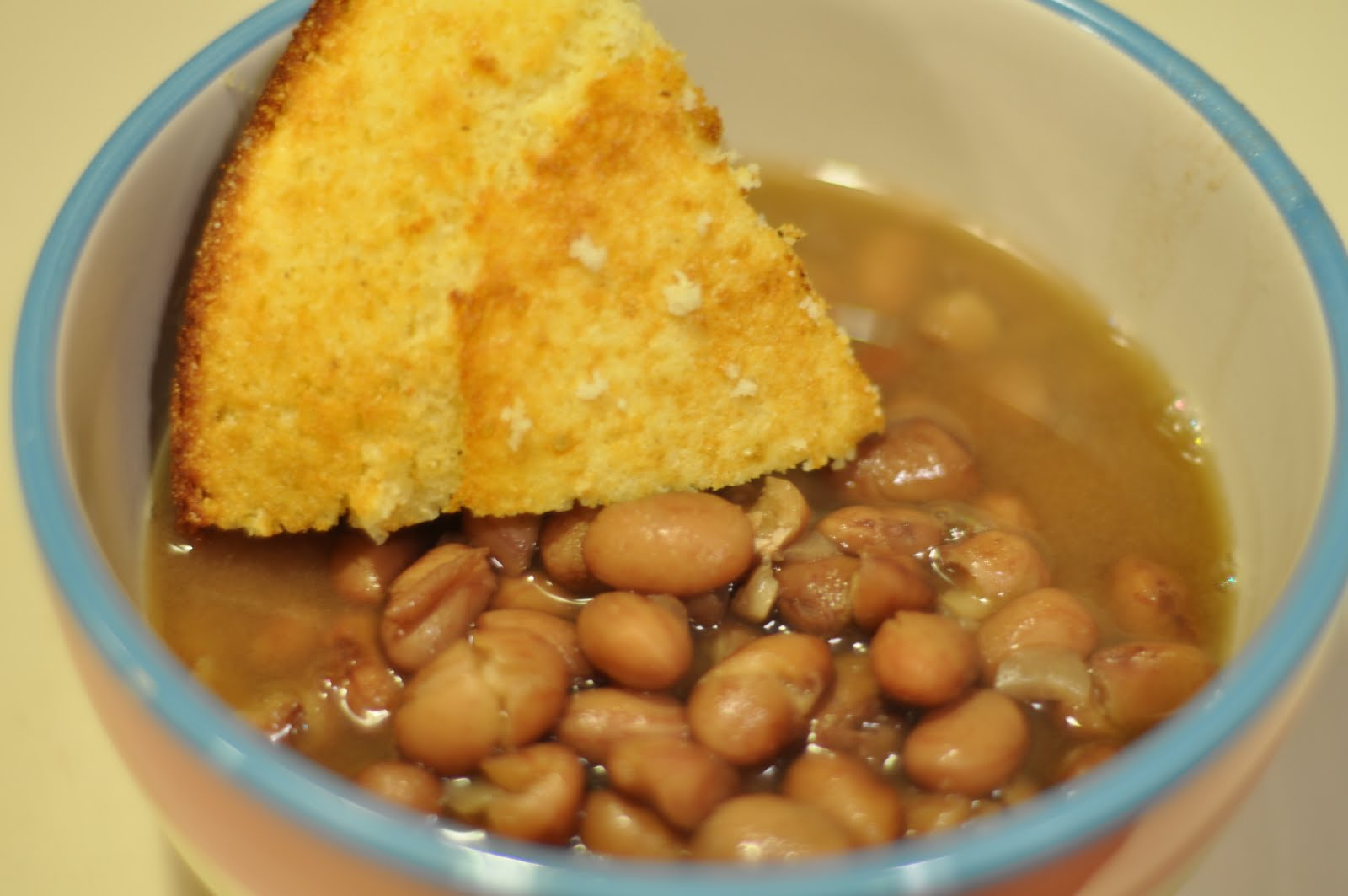 This Mommy Cooks: Beans and Cornbread