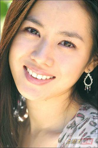 Actress Son Ye Jin