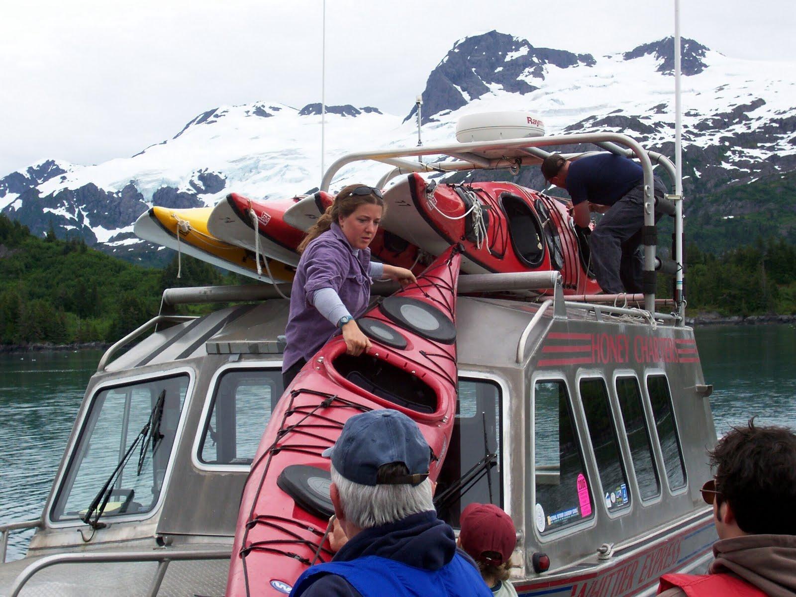 [Kayaking+-+unloading+cruiser+2.jpg]