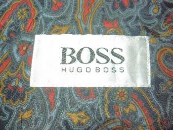 Este paleto Hugo Boss e feito em fina lã com forro maravilhoso!
