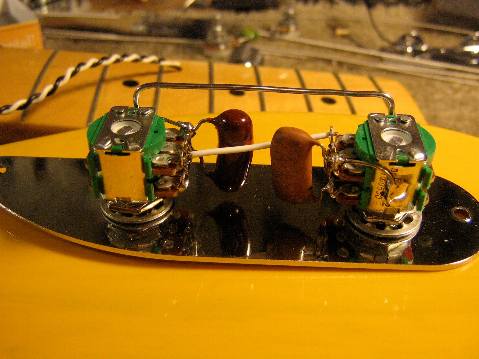 Daily Guitar Repair April 2010 Telecaster Pickup Wiring Stack Wire It Like A 60s Jazz Bass With 2 Dual Concentric Pots Or The Upper Knobs Being Volume For Each Lower Are Tone