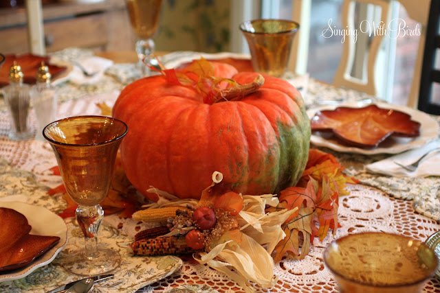 Autumn Table @singingwithbirds.com