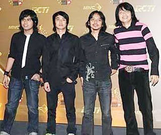 Lirik Lagu Gigi - Mutiara Yang Hilang Lyrics