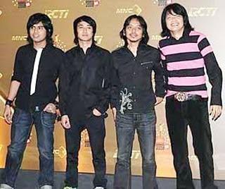 Lirik Lagu Gigi - Restu Cinta Lyrics
