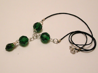 biżuteria z półfabrykatów - zielone kryształki (naszyjnik)