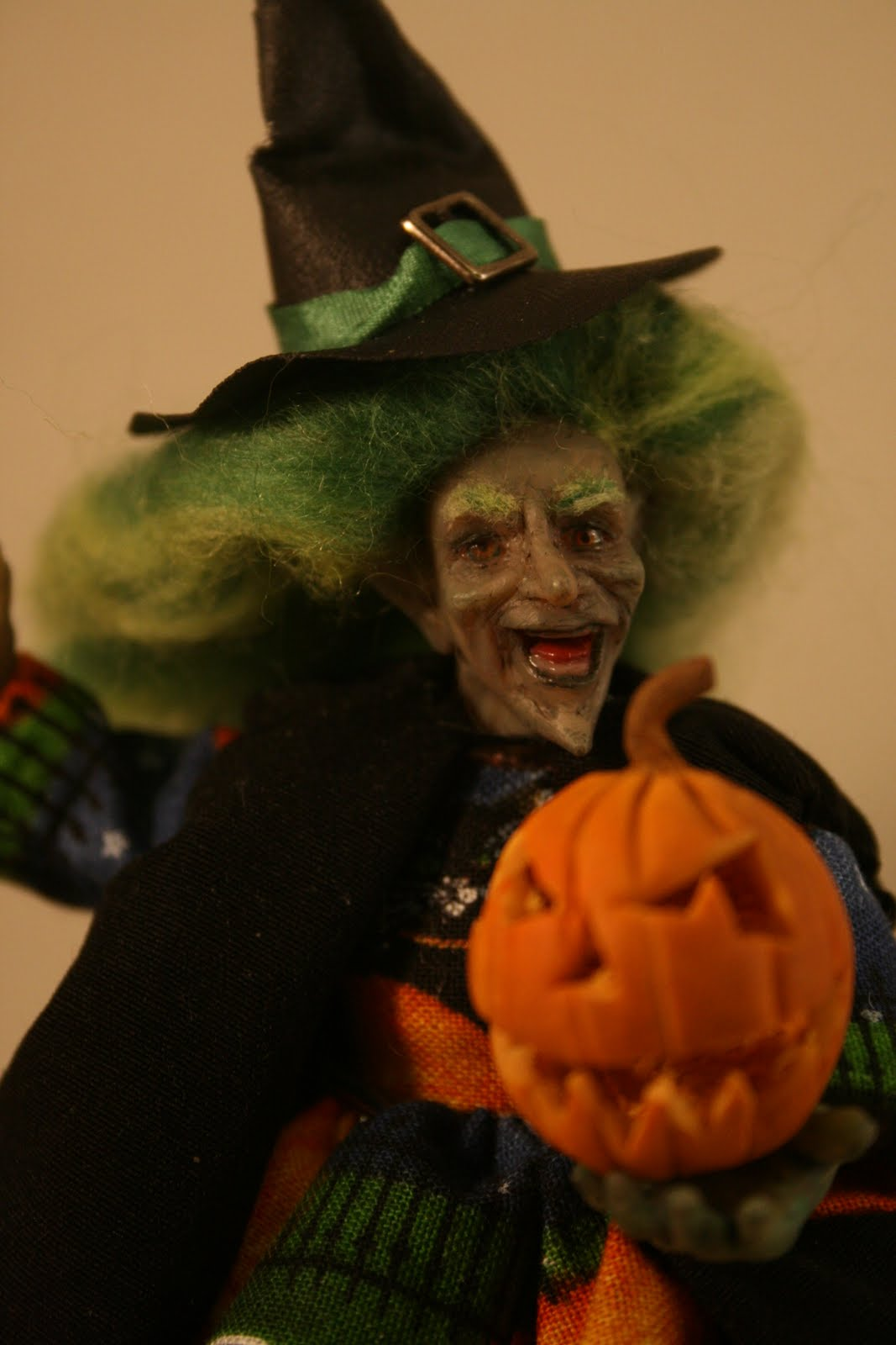 Lilyelf miniatures: More new dolls and a very scary witch