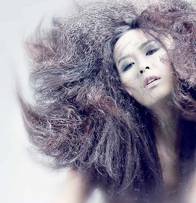 nude Vietnamese girl Thuy Duong