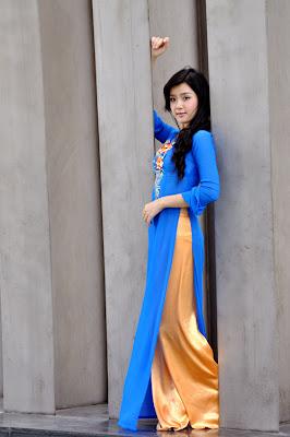 Xuan Mai in Ao Dai