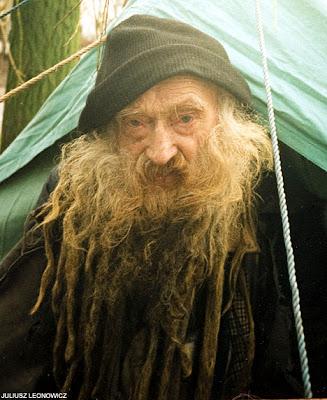 [Image: homeless+beard.jpg]
