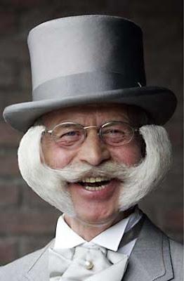 http://1.bp.blogspot.com/_WCrIotSdkFA/SilyTb7MhZI/AAAAAAAABjg/o0HKS-u74mQ/s400/top+hat+beard.jpg