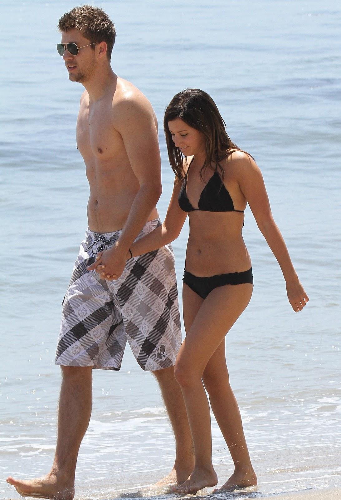http://1.bp.blogspot.com/_WDCWEjl45FQ/TOxf_M5rNKI/AAAAAAAAAno/x_EbGrev4jc/s1600/ashley-tisdale-bikini-1-03.jpg