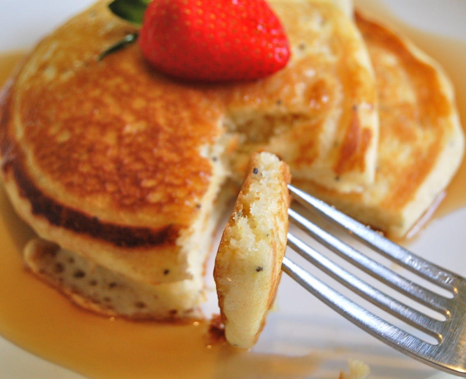 Chef Mommy: Lemon Poppy Seed Pancakes