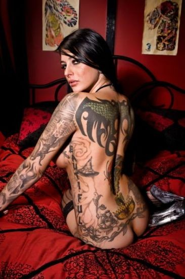 Girls Tattoos Hot