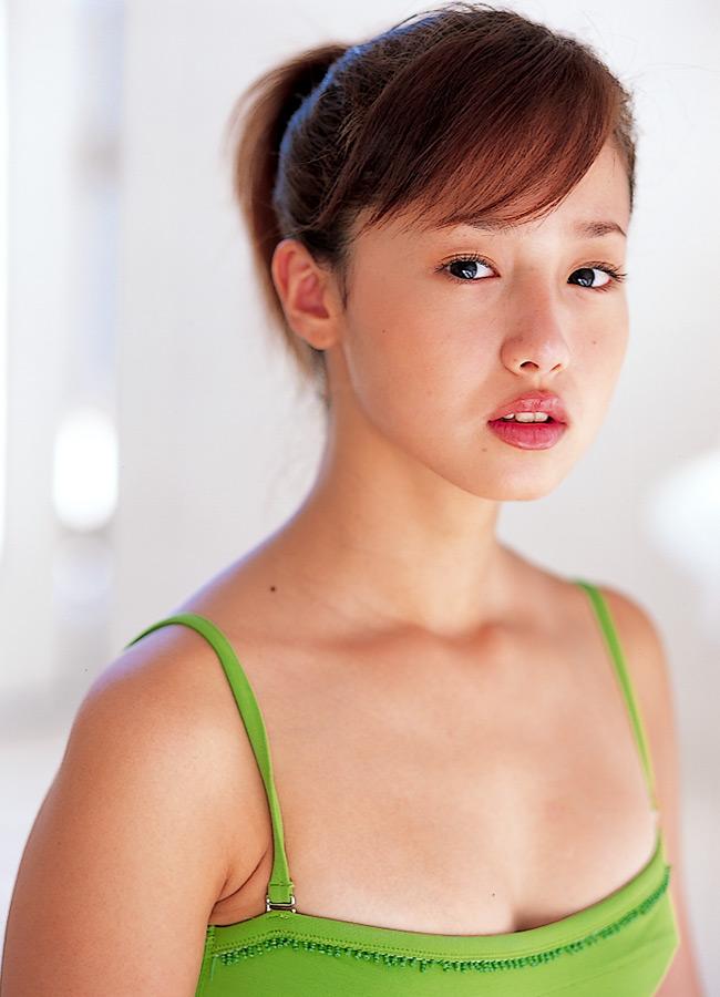 Thread : FOTO: Pesona Kecantikan Erika Sawajiri, Artis Jepang Yang