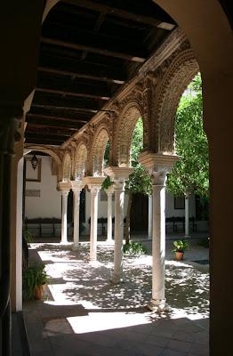 Sevilla tq la casa de los pinelo - La casa de los uniformes sevilla ...