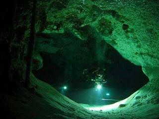 Foto Dan Video Sungai Dalam Laut Mexico