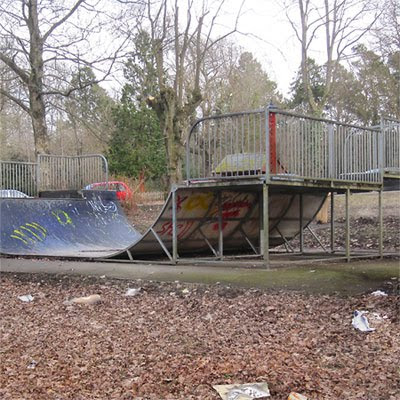 Llandrindod Wells lakeside skate park
