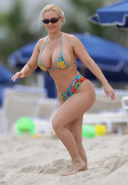 Nicole Austin Coco Hot Bikini Candid S