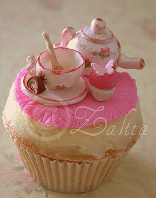 Oh So Adorable Vintage Tea Set : 10 Beautiful Cupcakes You May Not Want to Eat Them  Web Cool Tips