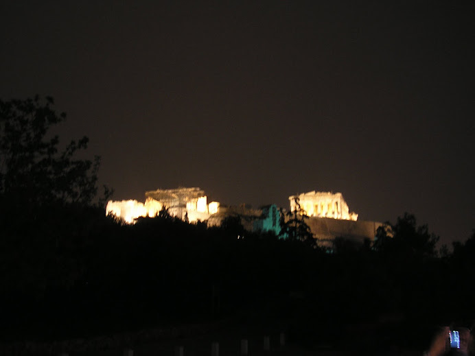 Acropole de Atenas vista à noite